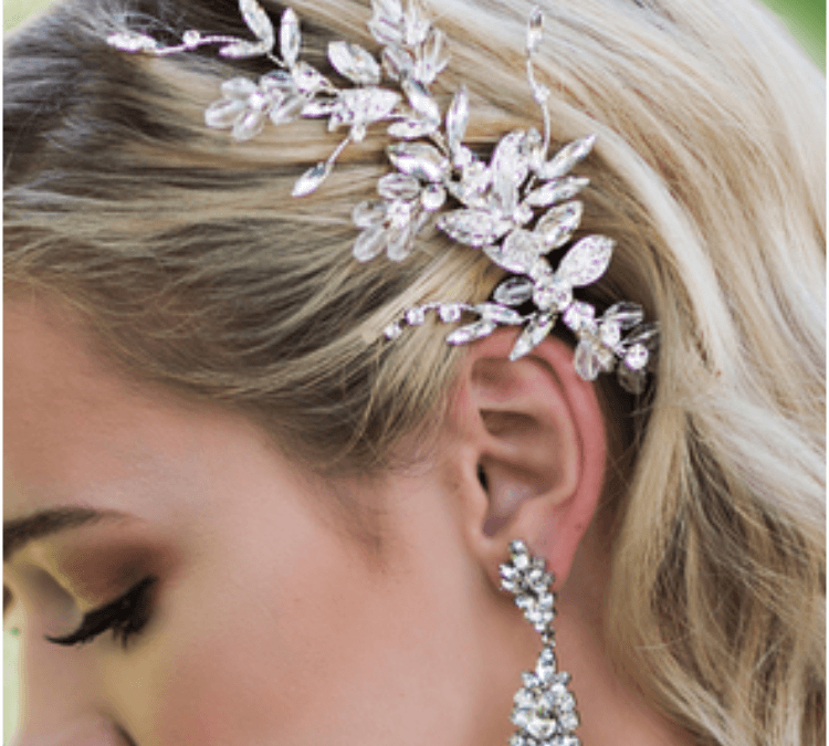 7 Gorgeous Ways to Wear Bridal Hair Accessories