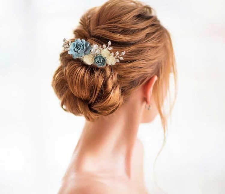 Haircomb with french knot